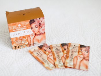 What's a White Girl To Do?  Glow2Go Tanning Towelettes Review