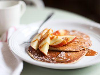 Recipe: Gluten Free Applesauce Pancakes with Caramel